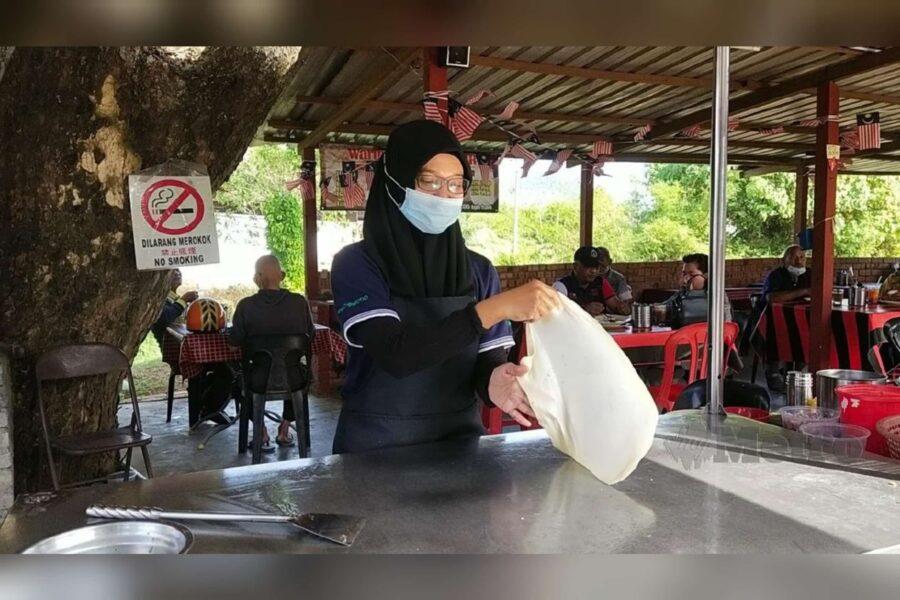 [Video] Anak M Nasir tak malu tebar roti canai